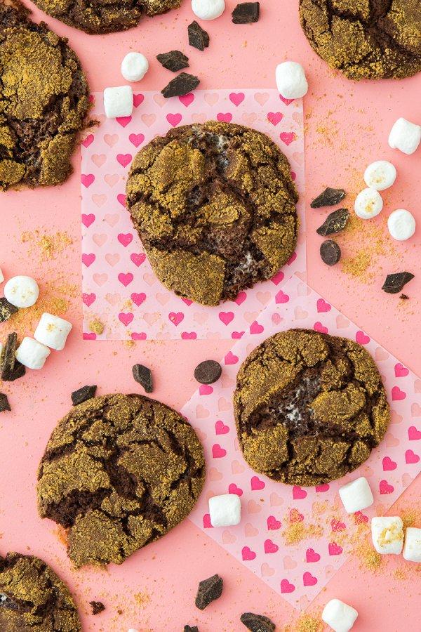 food, dessert, baked goods, cookie, cookies and crackers,