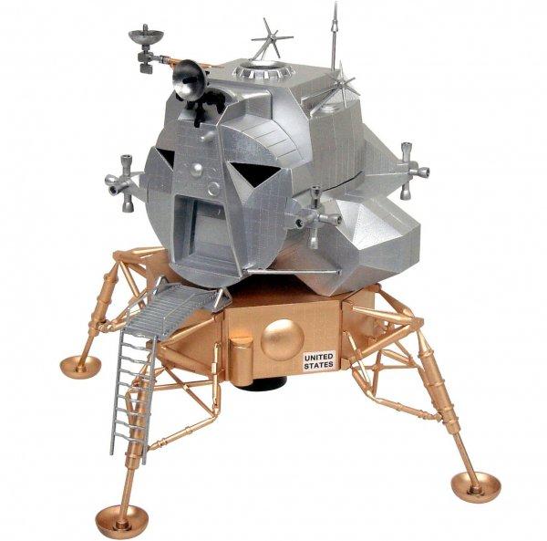 Apollo Lunar Module Eagle-5 Model Kit