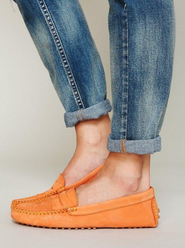 footwear,clothing,denim,shoe,jeans,