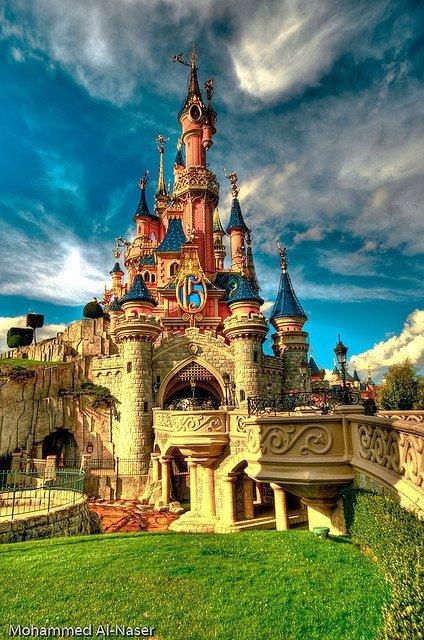landmark,historic site,building,tower,castle,