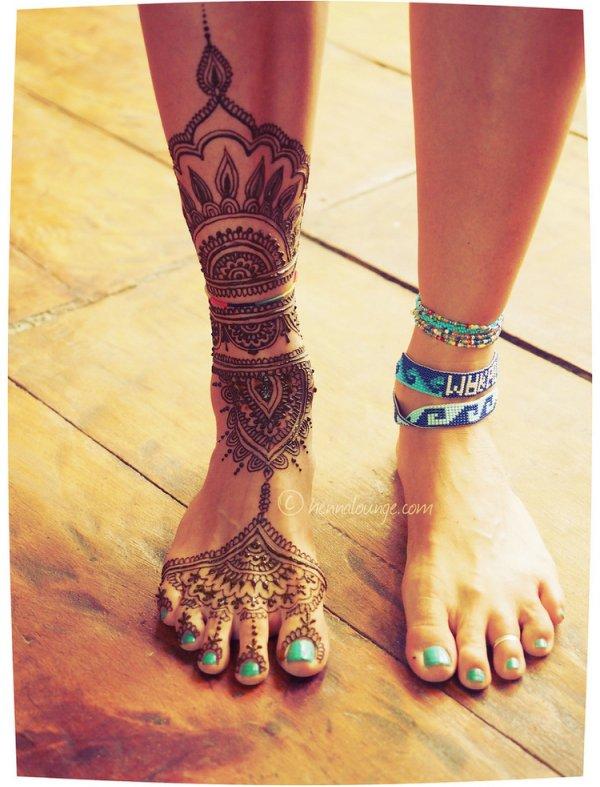 mehndi,pattern,design,arm,leg,