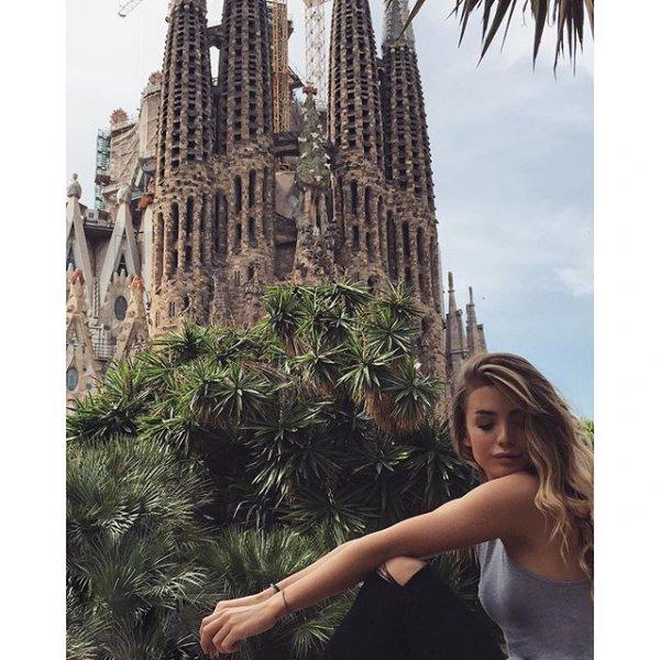 Sagrada Familia (Expiatory Temple of the Holy Family), Temple de Sagrat Cor, gothic architecture, iris,