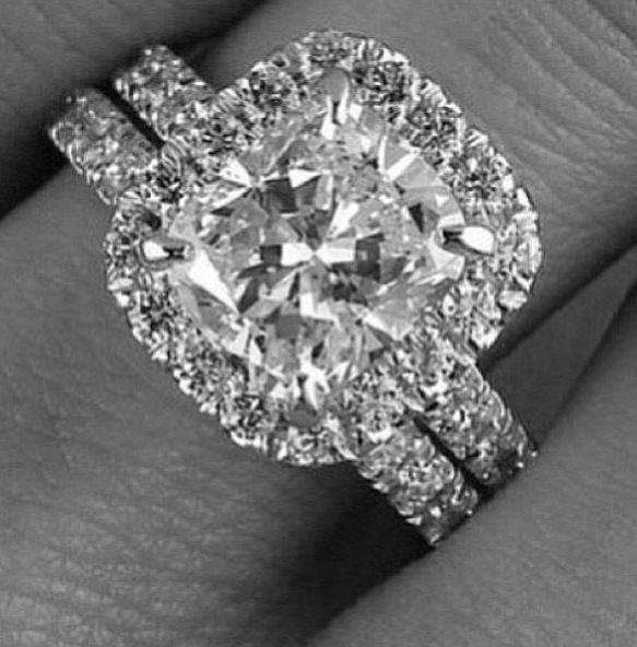 jewellery,black and white,fashion accessory,diamond,platinum,