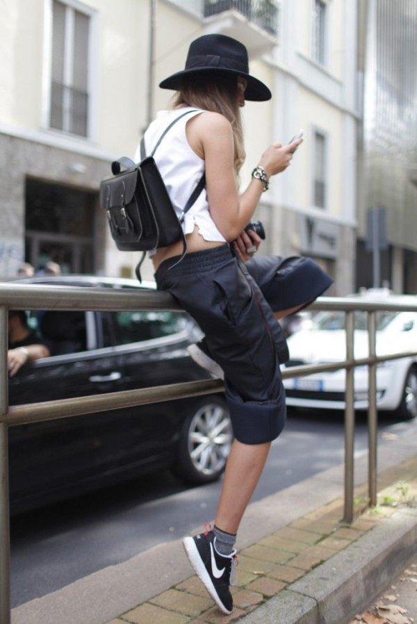 clothing,footwear,jogging,tights,abdomen,