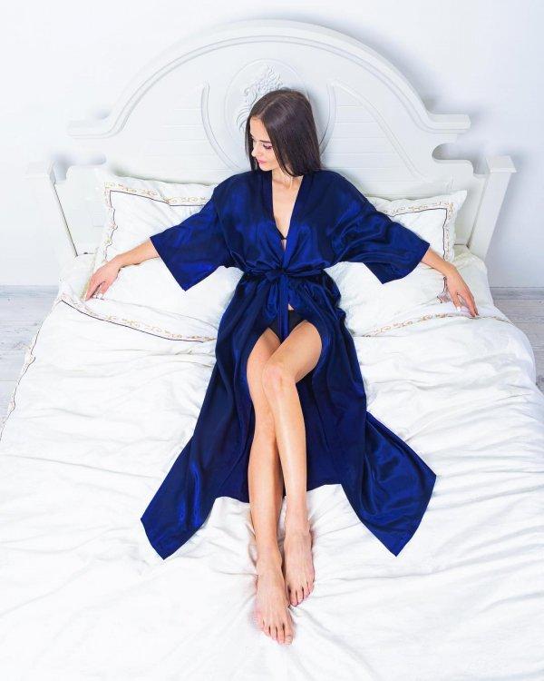 Blue, Clothing, Cobalt blue, Leg, Beauty,