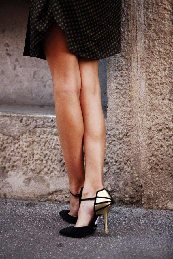 footwear,black,clothing,beauty,fashion,