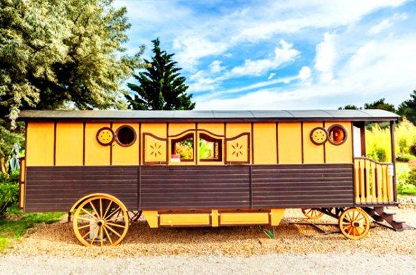 Shambala Caravan Life, France