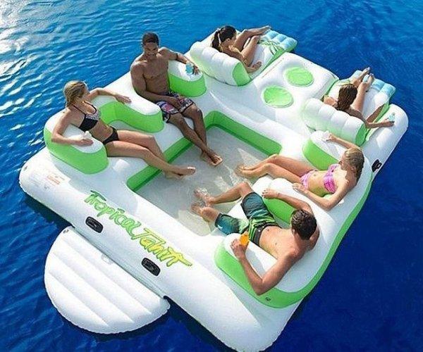 Huge Inflatable Floating Island