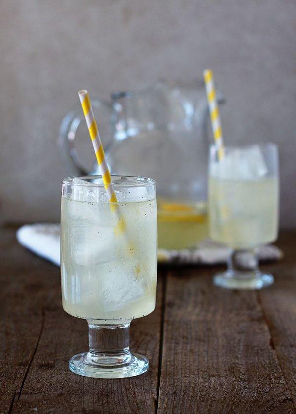 drink,cocktail,alcoholic beverage,liqueur,distilled beverage,