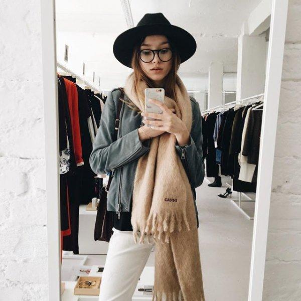 clothing, coat, outerwear, fashion, fashion accessory,