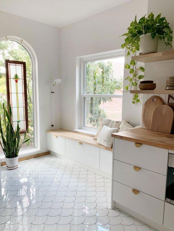 White, Floor, Room, Furniture, Property,