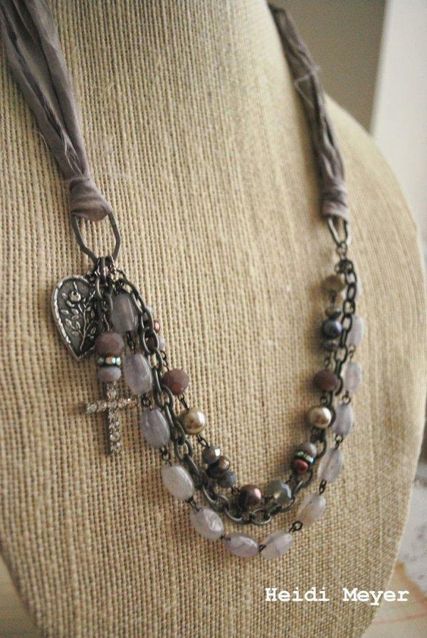 necklace,chain,jewellery,fashion accessory,art,