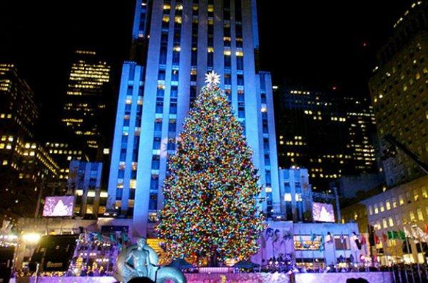 Take a Selfie at Rockefeller Center, New York, USA