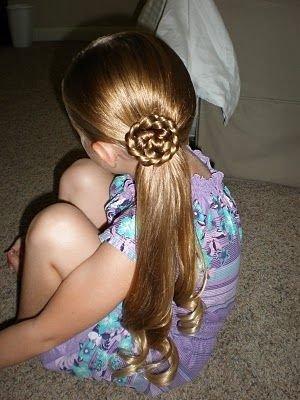 hair,clothing,hairstyle,long hair,dress,
