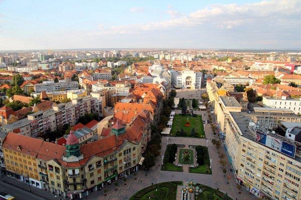 """Strolling through """"Little Vienna"""" at Timișoara, Romania"""