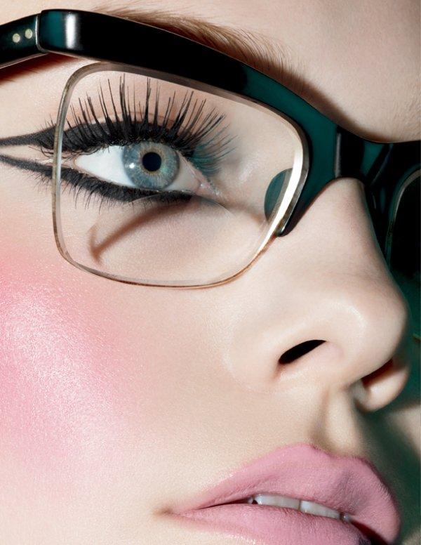 Mascara-free Eyelids Hack