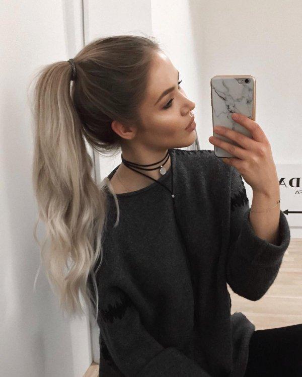hair,hairstyle,head,long hair,arm,