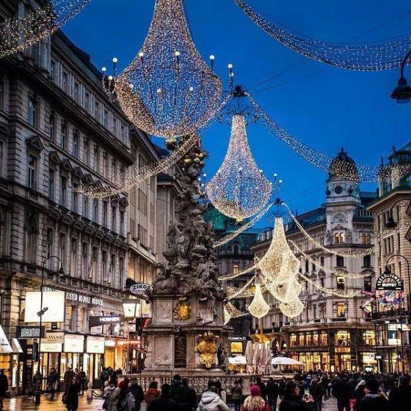 landmark, town, city, metropolis, christmas decoration,