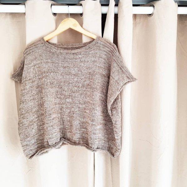 clothing, sleeve, shoulder, clothes hanger, blouse,