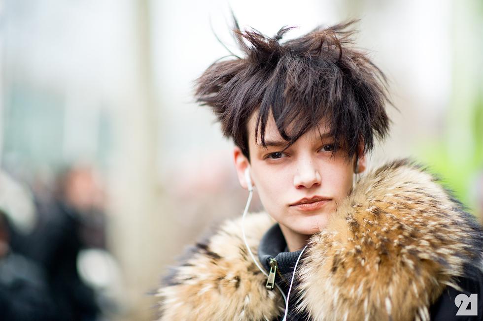 Consider Trendy Yet Winter-Friendly Accessories