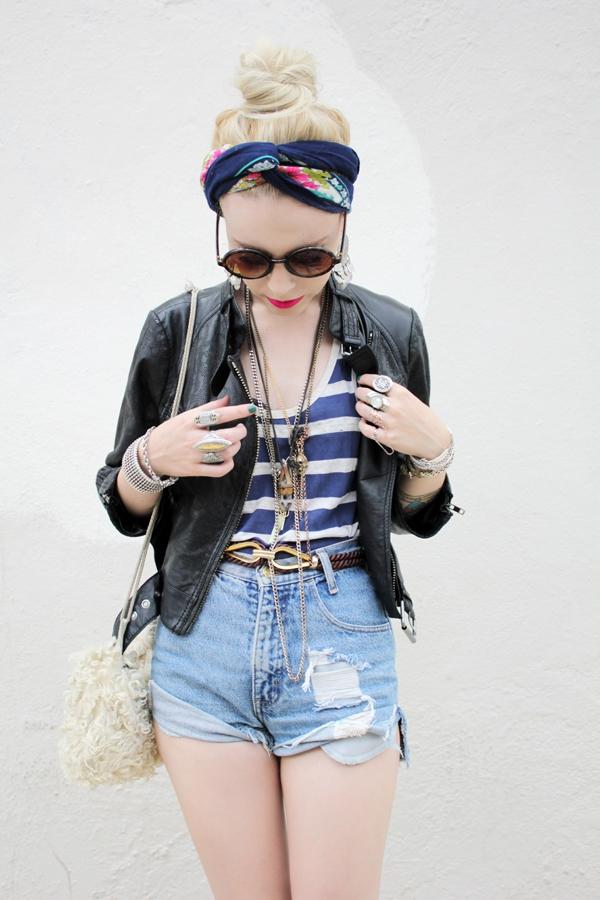 742a6c78bc2a 7. Add Some Cute Jewelry. When wearing high waist denim shorts ...