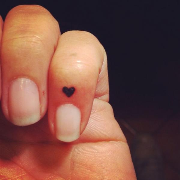 Esto Es Por Qué La Gente Elige Micro Tatuajes