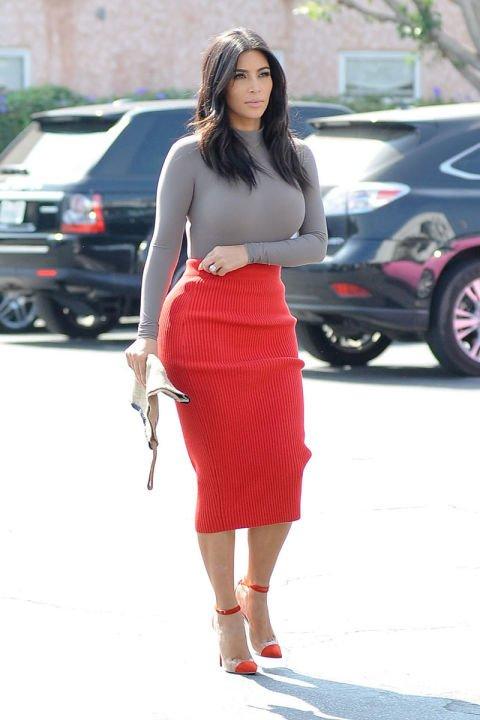 clothing,dress,footwear,supermodel,leg,