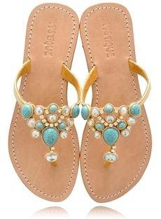 footwear,flip flops,shoe,sandal,leg,