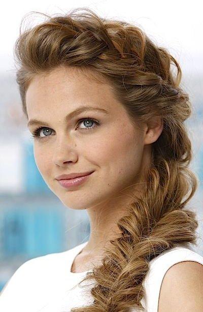 hair,face,hairstyle,eyebrow,forehead,