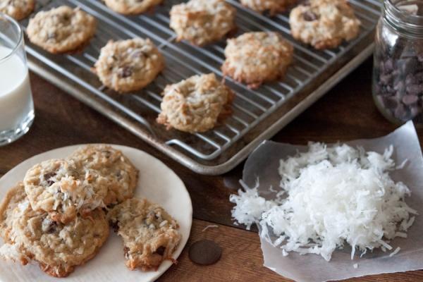 Raw Coconut Chunk Cookies