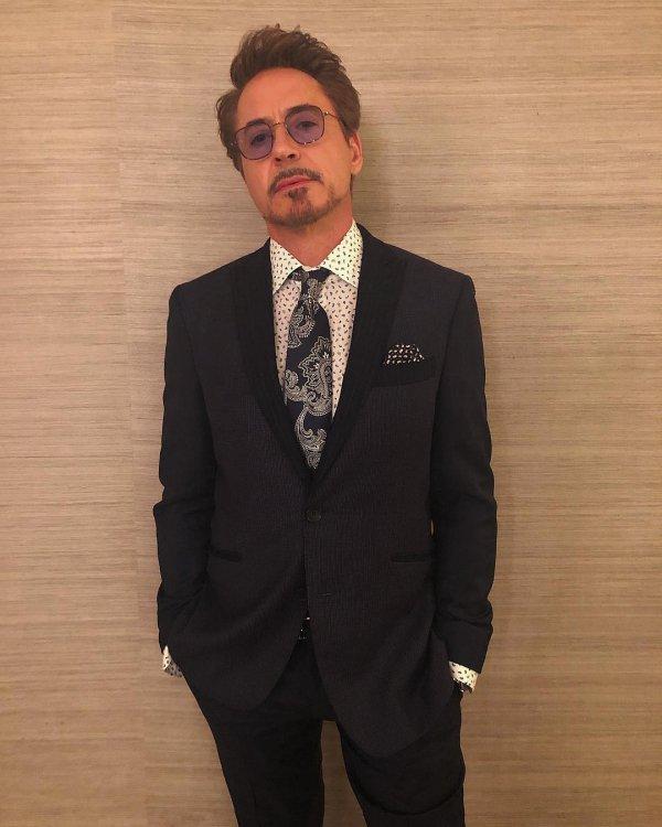 Suit, Formal wear, Tuxedo, Clothing, Gentleman,