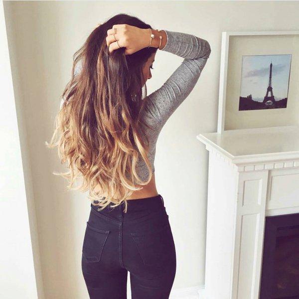 hair, clothing, sleeve, hairstyle, long hair,
