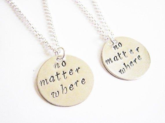 necklace,pendant,jewellery,fashion accessory,locket,