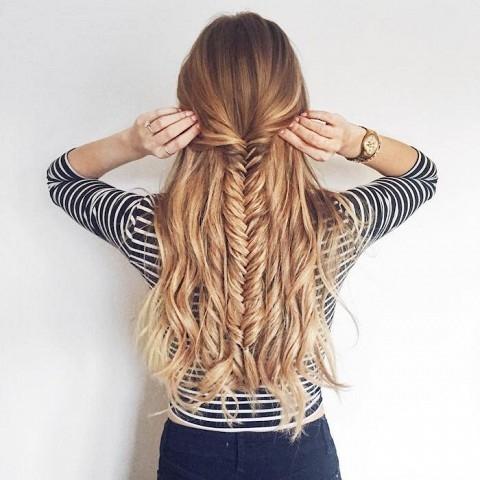 hair,clothing,hairstyle,long hair,fashion accessory,