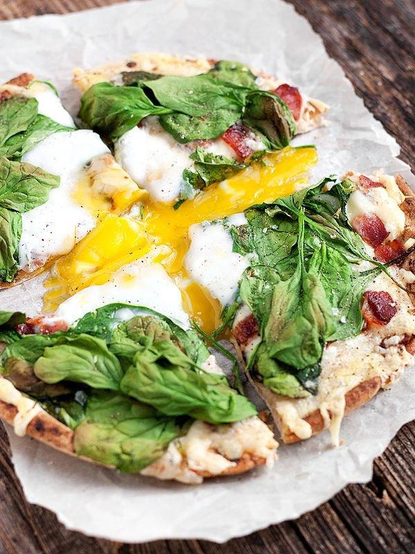 Fontina, Bacon and Spinach Breakfast Pitza