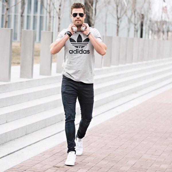 clothing, jeans, sleeve, shoe, shoulder,
