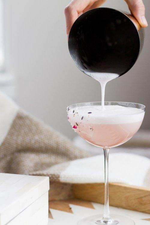 drink, alcoholic beverage, wine glass, stemware, wine,