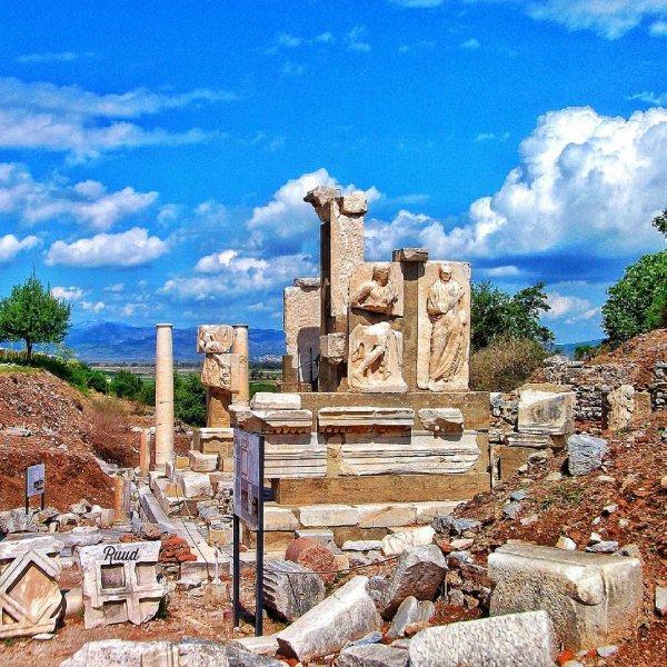 Memmius Monument, ruins, historic site, archaeological site, landmark,