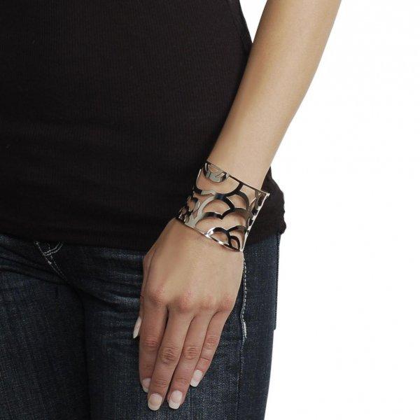 jewellery, fashion accessory, hand, finger, wrist,