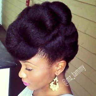 hair,hairstyle,face,forehead,long hair,