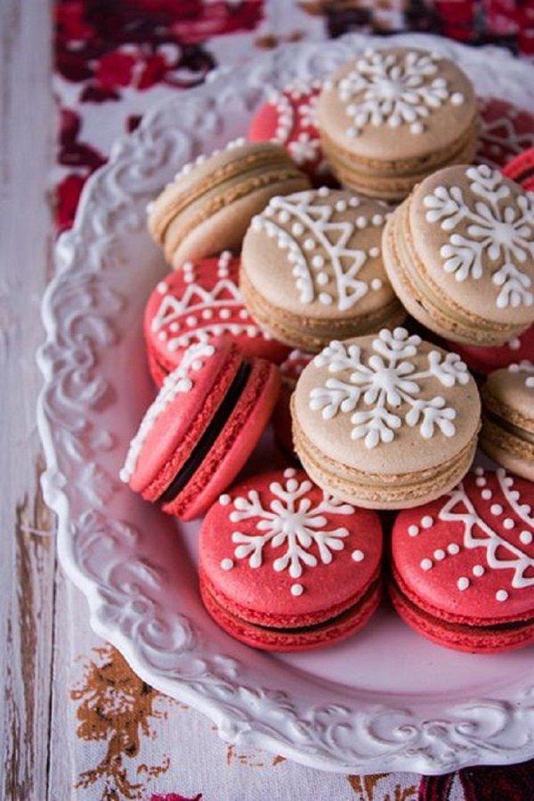 food,red,dessert,icing,cake,