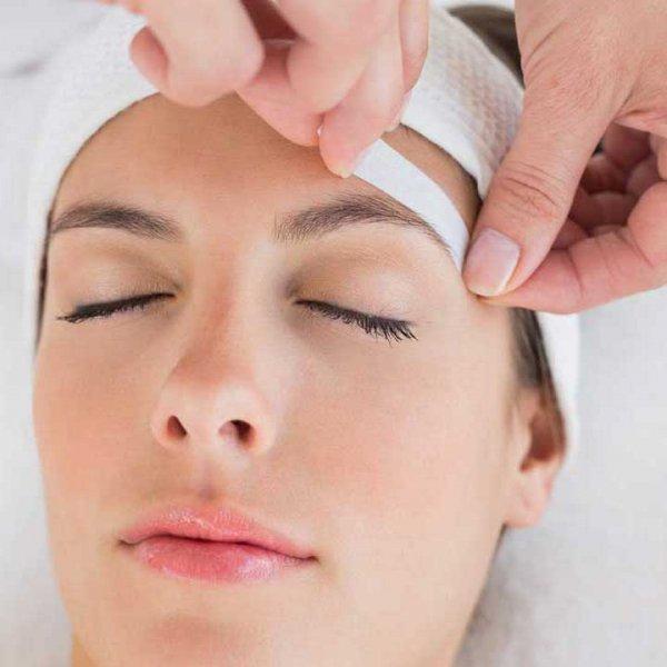Waxing Your Eyebrows