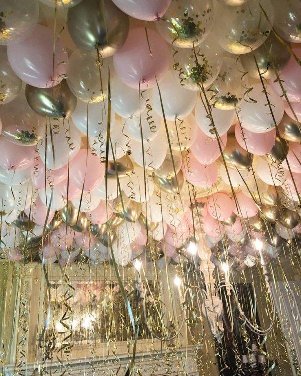 Pink, Party favor, Flower, Plant, Metal,