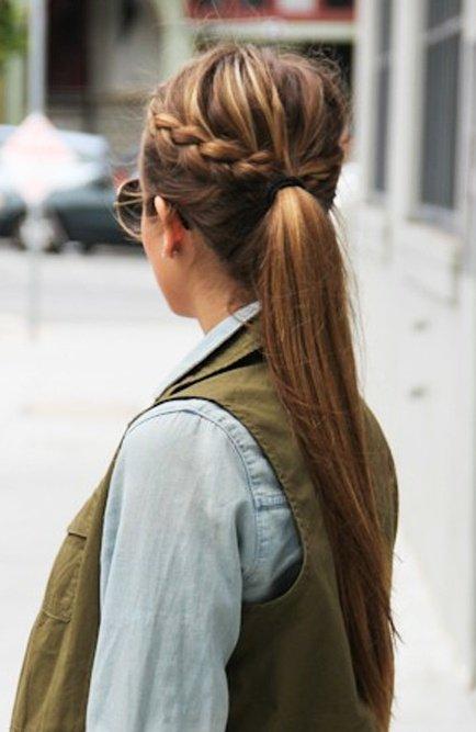 hair,hairstyle,long hair,brown hair,blond,