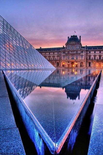 Louvre,Arc de Triomphe du Carrousel,reflection,bridge,landmark,