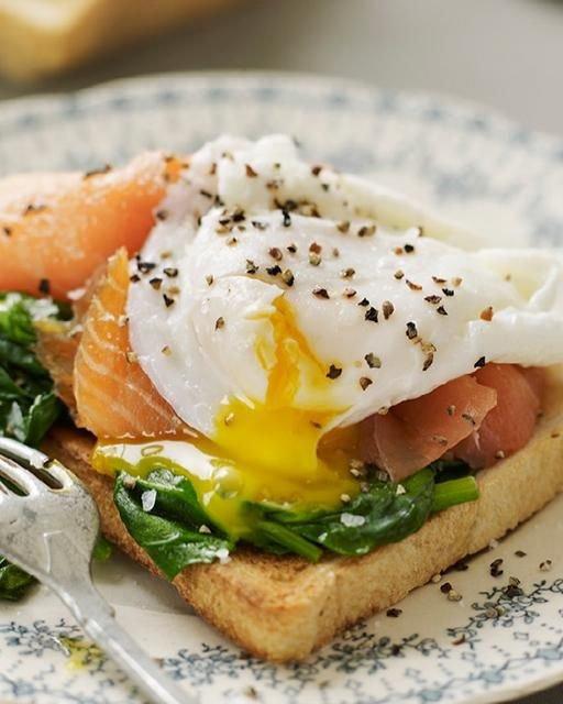 Eggs Benedict with Smoked Salmon