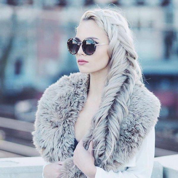 clothing, hair, hairstyle, fur, fur clothing,