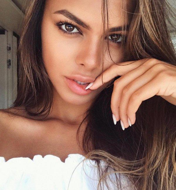 eyebrow, beauty, human hair color, lip, nose,