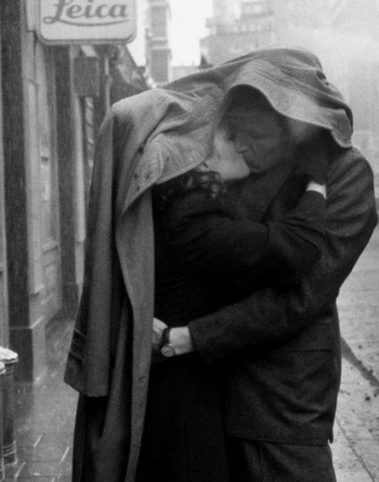 Leica,black and white,black,photograph,person,