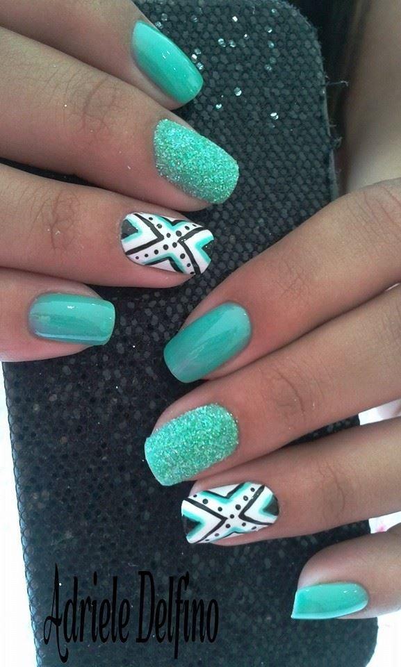 color,nail,finger,green,blue,